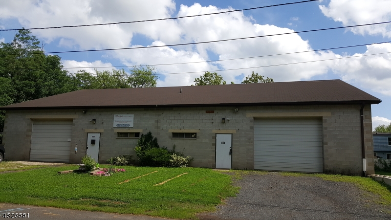Photo of home for sale at 654 MANVILLE AVE, Manville Boro NJ