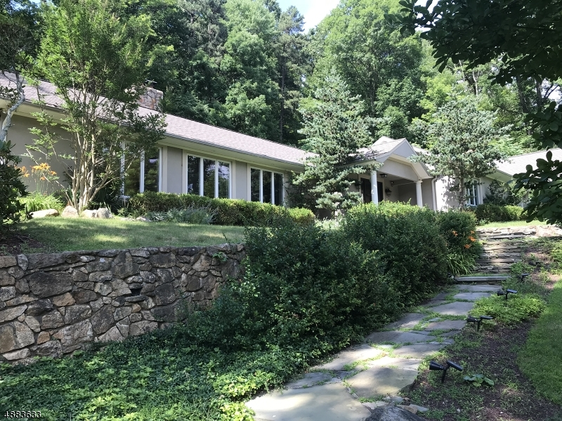 Photo of home for sale at 241 HARDSCRABBLE RD, Bernardsville Boro NJ