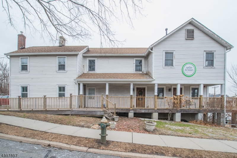 Photo of home for sale at 820 BLOOMFIELD AVE, Verona Twp. NJ