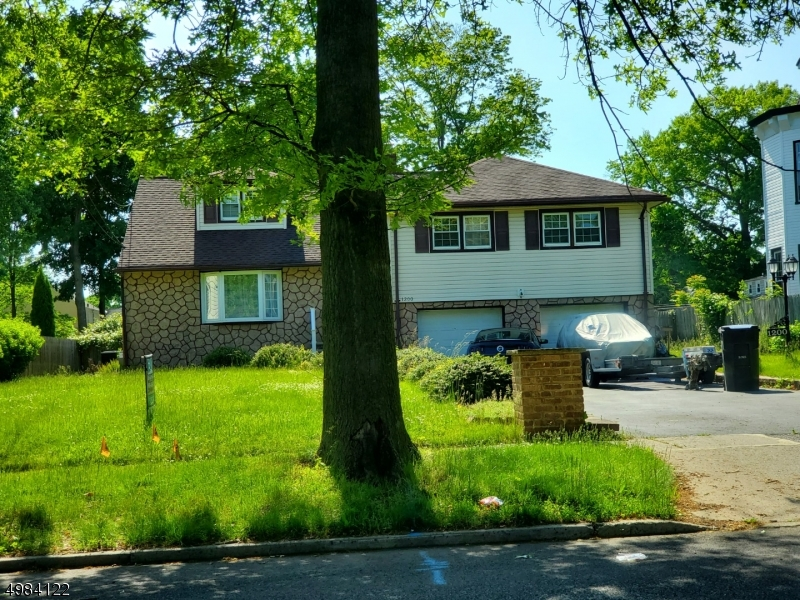 Photo of home for sale at 1126 GRANT AVE, Plainfield City NJ