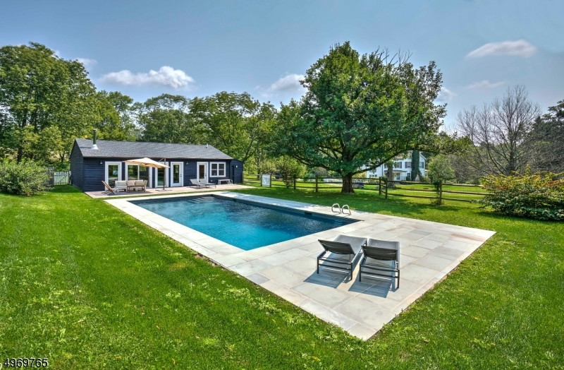 Photo of home for sale at 425 POTTERSVILLE RD, Chester Twp. NJ