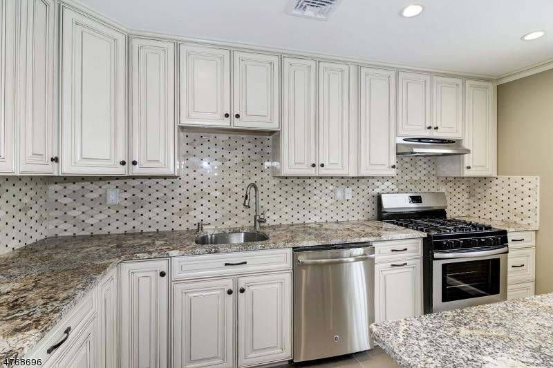 5 WALLACE ST Woodbridge Twp., NJ 07095 - MLS #: 3438544