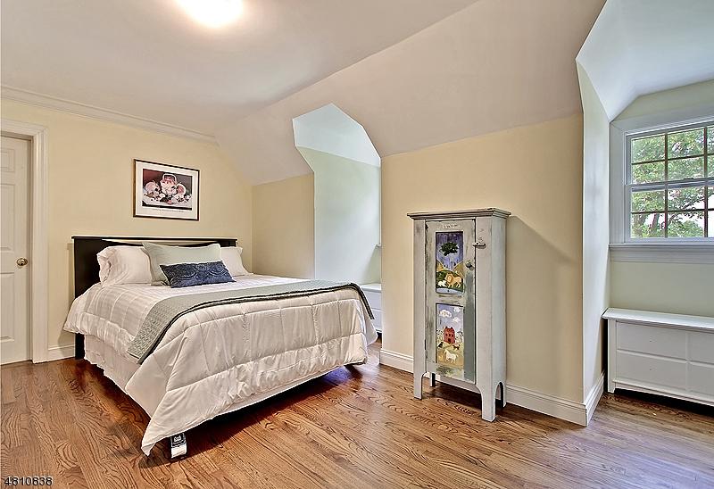 70 WOODGATE LN Long Hill Twp., NJ 07946 - MLS #: 3477644