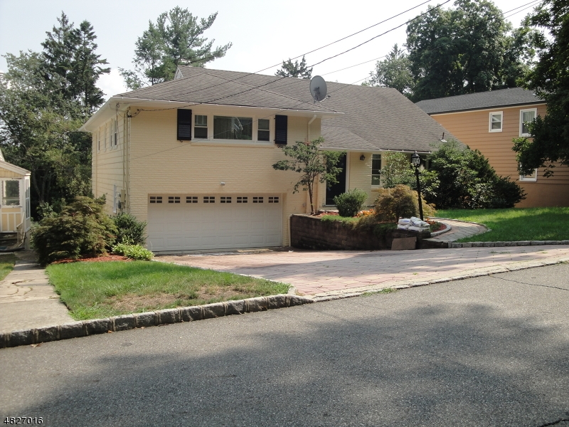 10 BEAUMONT TER West Orange Twp., NJ 07052 - MLS #: 3493744