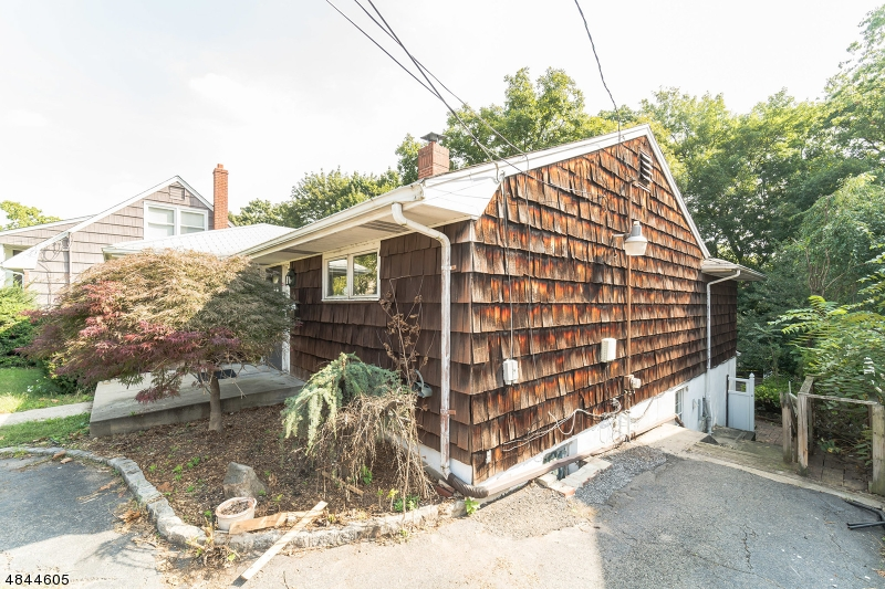 46 LINN RD Nutley Twp., NJ 07110 - MLS #: 3508244