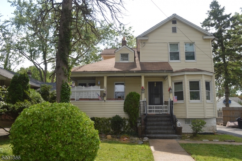 Photo of home for sale at 616 ASHWOOD AVE, Roselle Park Boro NJ