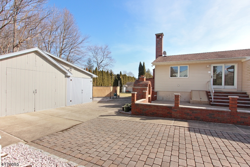 24 Long Acres Rd Fairfield Twp., NJ 07004 - MLS #: 3445845