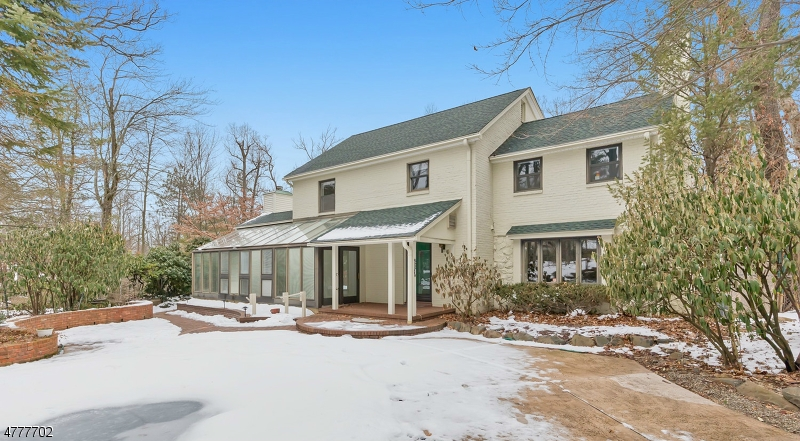 Property for sale at 141 Oakwood Dr, New Providence Boro,  NJ  07974