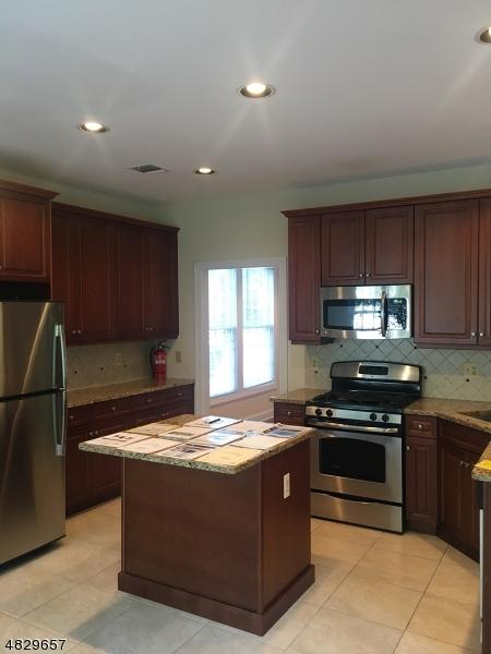 2 Camlet Ct Roseland Boro, NJ 07068 - MLS #: 3495045