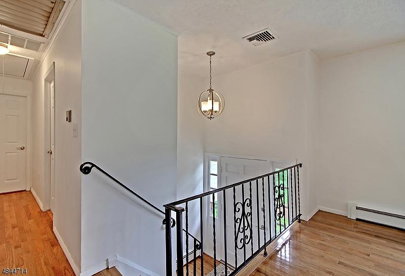 26 MOUNTAIN VIEW AVE Washington Twp., NJ 07853 - MLS #: 3508345