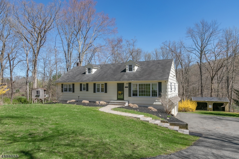 Photo of home for sale at 4 FREDERICK PL, Chester Twp. NJ