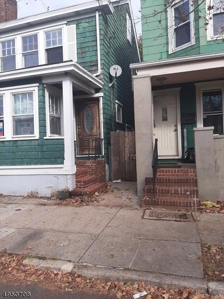 Photo of home for sale at 814 FAIRMOUNT AVE, Trenton City NJ