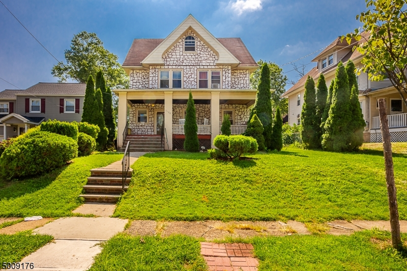 Photo of home for sale at 1130 GRESHAM RD, Plainfield City NJ