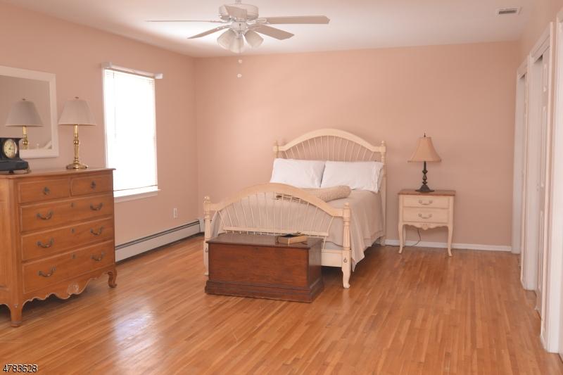 3 Sara Ln Roxbury Twp., NJ 07876 - MLS #: 3453346