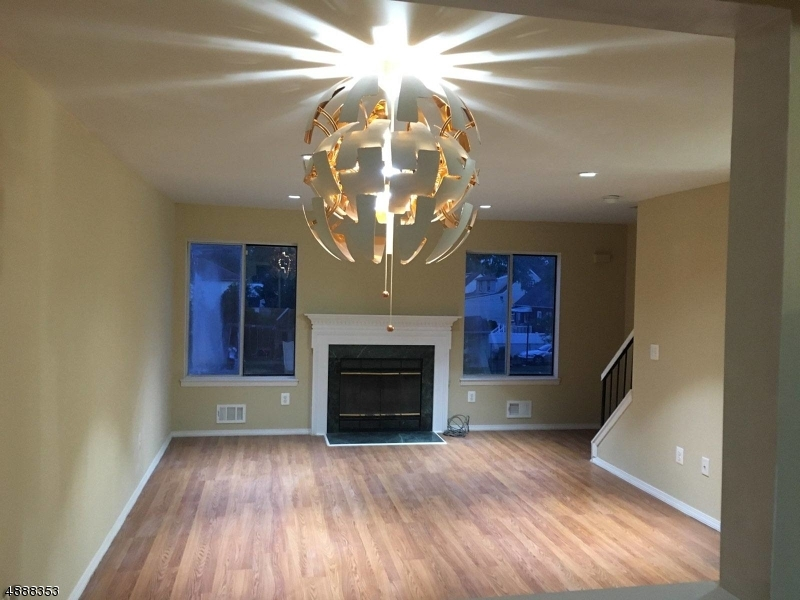 Photo of home for sale at 652 JACKSON AVE, Roselle Boro NJ