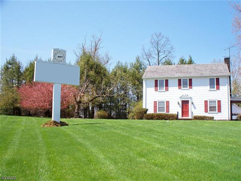 Photo of home for sale at 415 HWY 202, Raritan Twp. NJ