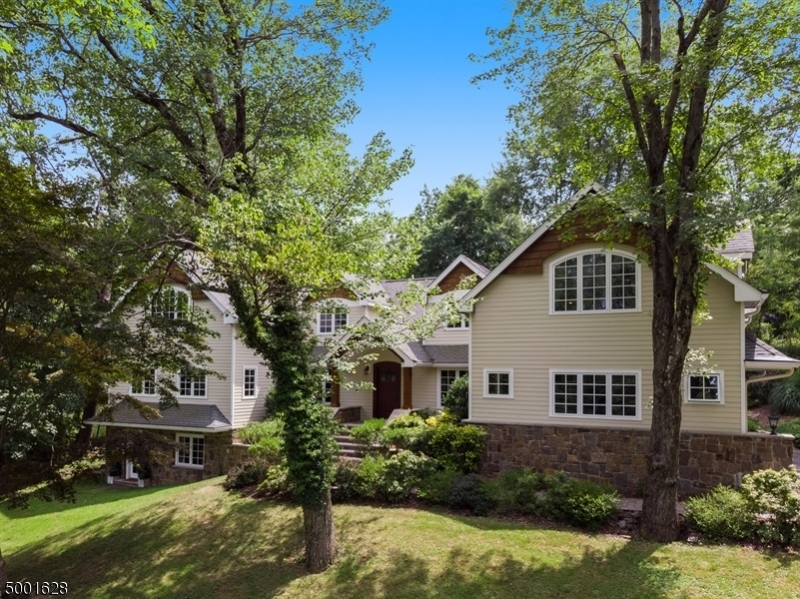 Photo of home for sale at 100 Spring Brook Road, Morris Twp.
