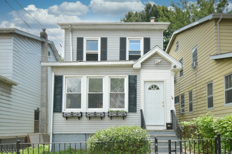 Photo of home for sale at 34 SCOFIELD ST, Newark City NJ