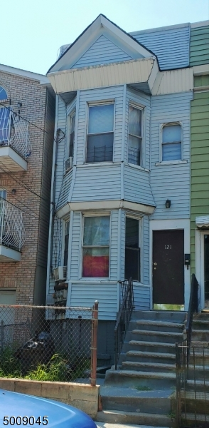 Photo of home for sale at 121 KEARNEY AVE, Jersey City NJ