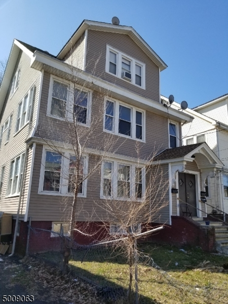Photo of home for sale at 280 POMONA AVE, Newark City NJ