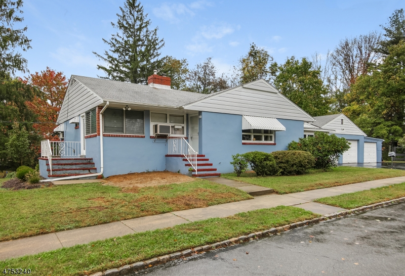 39 Mountain Ave Mendham Boro, NJ 07945 - MLS #: 3424347