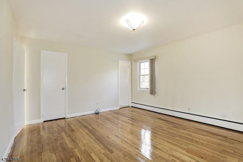 33 Brandon Ave Livingston Twp., NJ 07039 - MLS #: 3434647