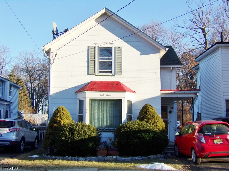 Photo of home for sale at 43 Madison St, Newton Town NJ