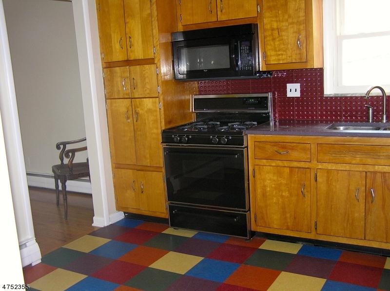 87 Hixon Pl South Orange Village Twp., NJ 07079 - MLS #: 3424448