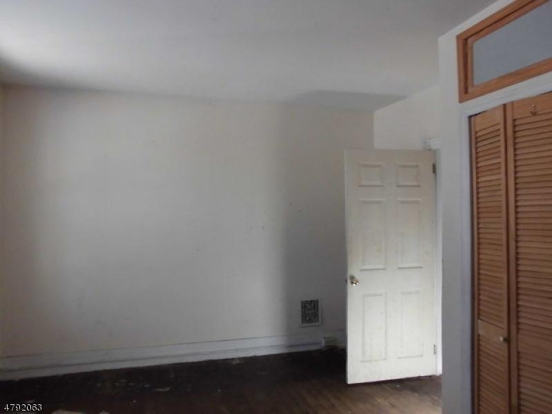 574 Roseberry St Phillipsburg Town, NJ 08865 - MLS #: 3459348