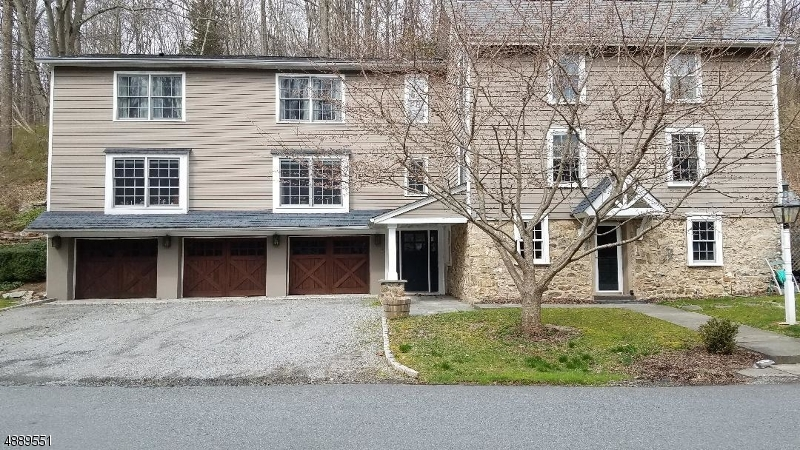 Photo of home for sale at 38 GUINEA HOLLOW RD, Tewksbury Twp. NJ