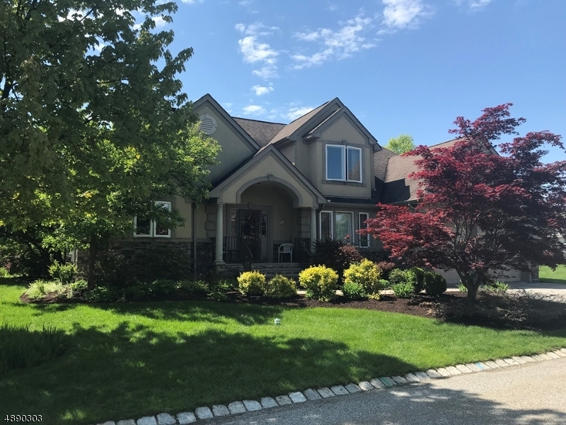 Photo of home for sale at 6 FENFIELD CT, Hardyston Twp. NJ