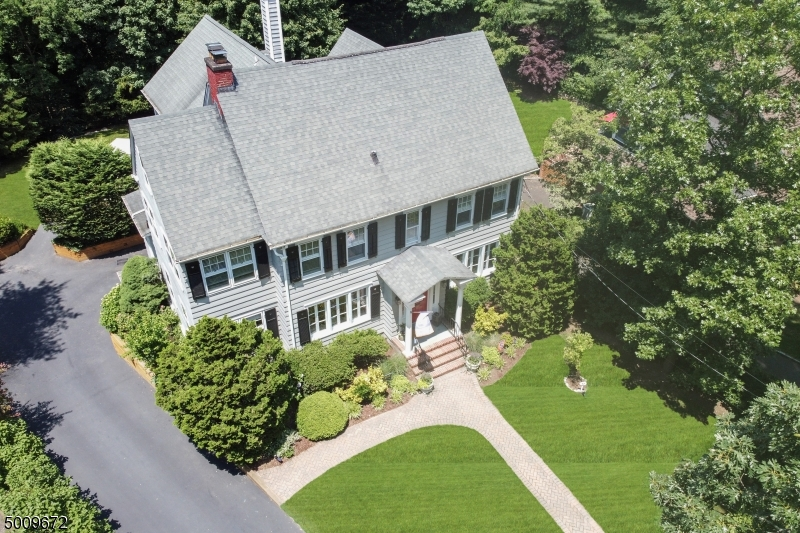 Photo of home for sale at 17 EDGEMONT AVE, Summit City NJ