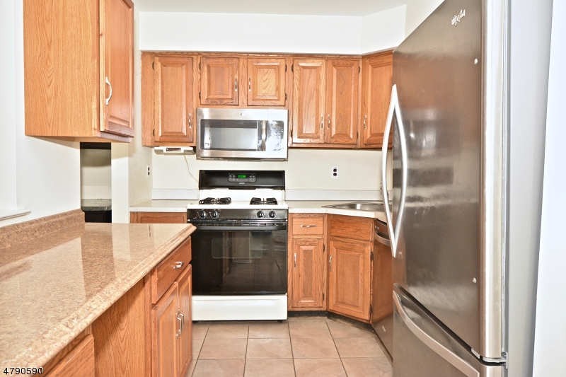 59 Saxonney Circle Raritan Twp., NJ 08822 - MLS #: 3461849