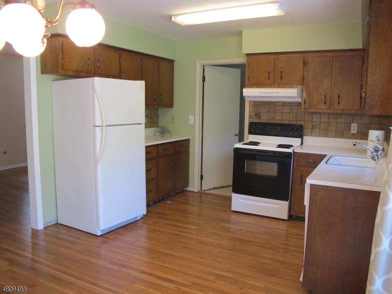 33 LONG VIEW RD Tewksbury Twp., NJ 08833 - MLS #: 3478249