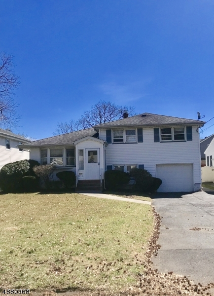 Photo of home for sale at 2216 LYDE PL, Scotch Plains Twp. NJ
