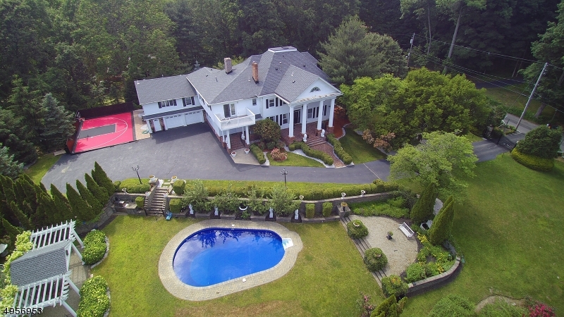 Photo of home for sale at 183 MOUNTAIN AVE, Pequannock Twp. NJ