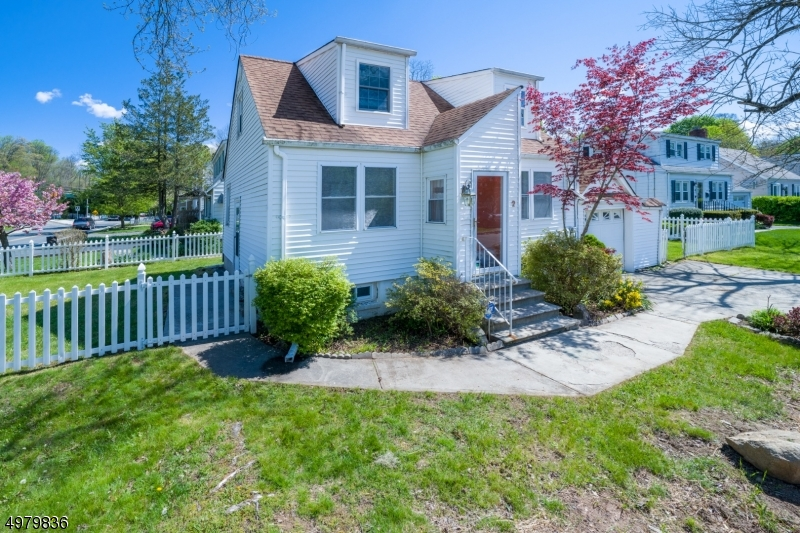 Photo of home for sale at 2 HILLSIDE AVE, Mine Hill Twp. NJ