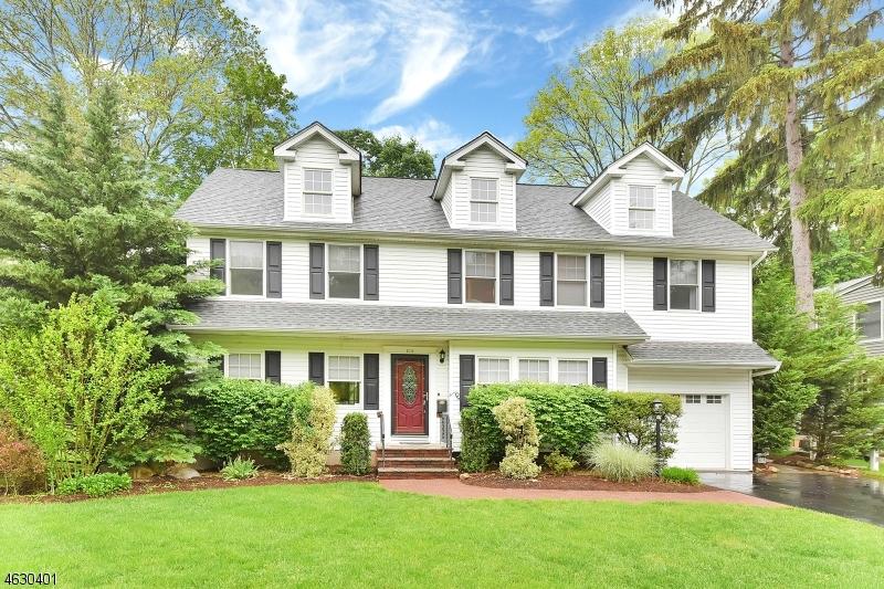 Property for sale at 310 Vesta Ct, Ridgewood Village,  NJ 07450