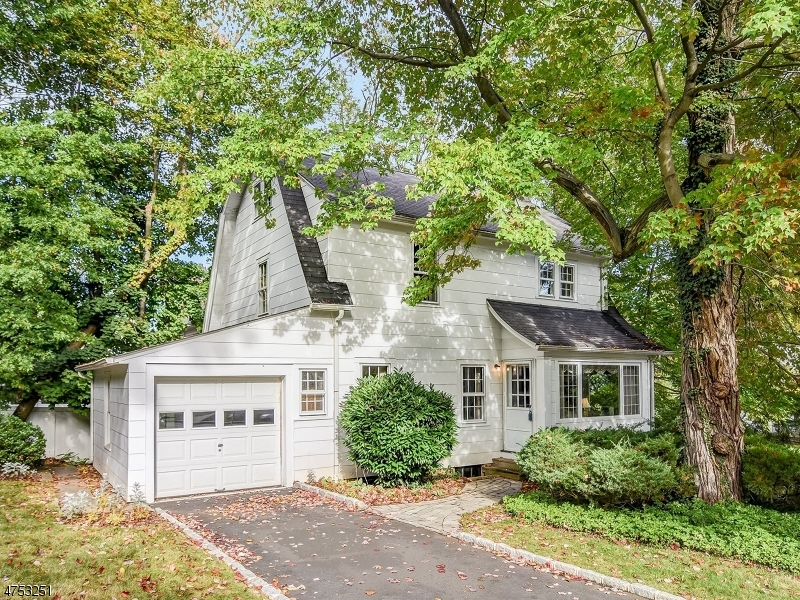 Property for sale at 586 Up Mountain Ave, Montclair Twp.,  NJ 07043