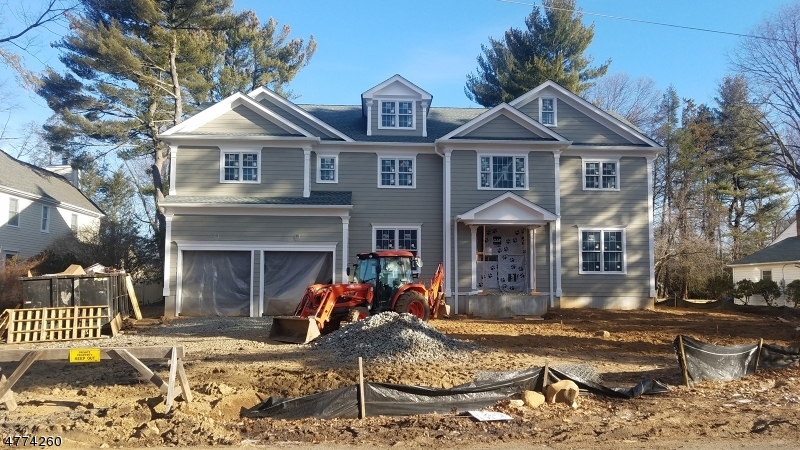 Photo of home for sale at 368 Shunpike Rd, Chatham Twp. NJ