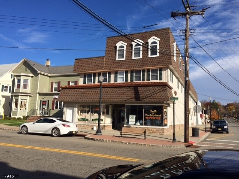 Photo of home for sale at 48 Main St, Netcong Boro NJ