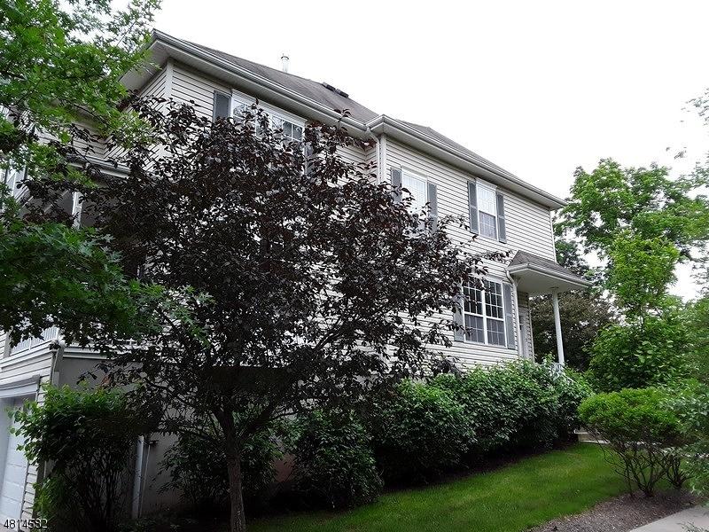 2 BRENTWOOD CT Raritan Twp., NJ 08822 - MLS #: 3480450
