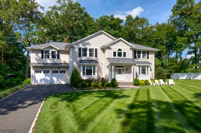 Photo of home for sale at 168 MURRAY HILL BLVD, Berkeley Heights Twp. NJ