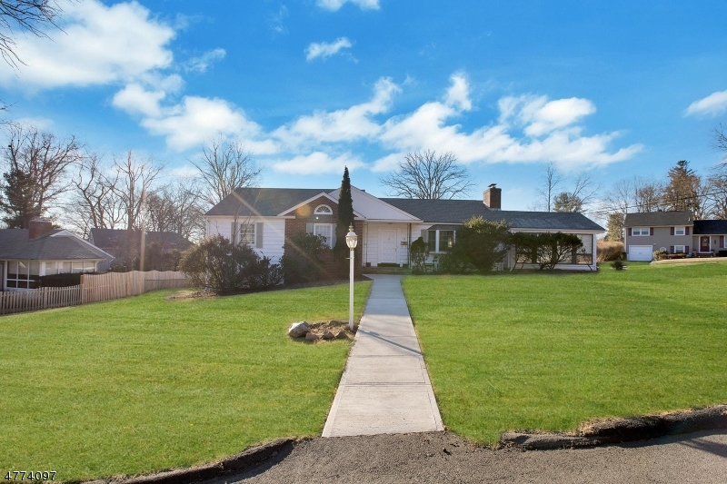 Photo of home for sale at 14 Sherwood Dr, Ramsey Boro NJ