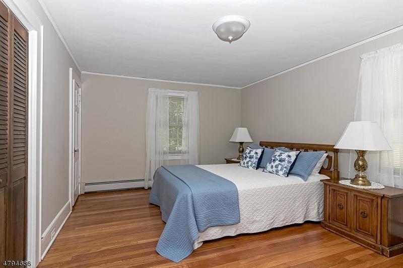 527 S Chestnut St Westfield Town, NJ 07090 - MLS #: 3461851