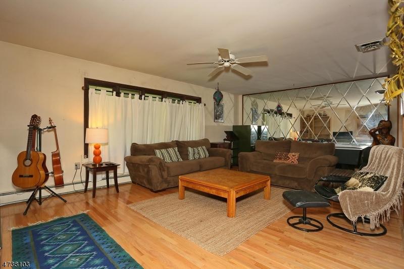 85 Ruckman Ave Hillsdale Boro, NJ 07642 - MLS #: 3463851