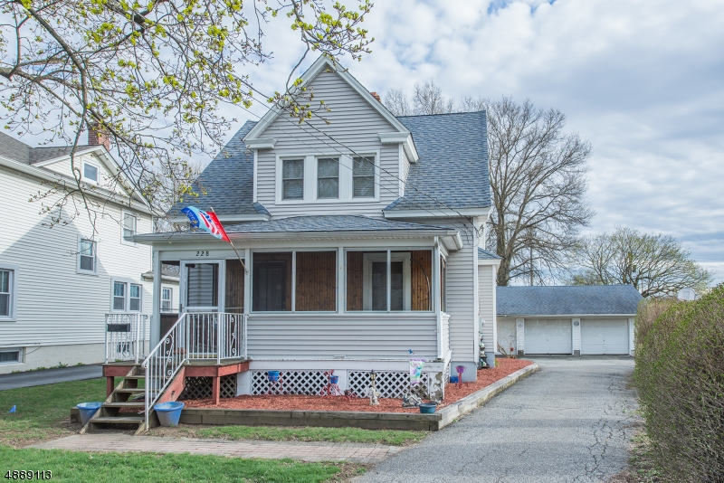 Photo of home for sale at 228 ROUTE 46 E, Mine Hill Twp. NJ