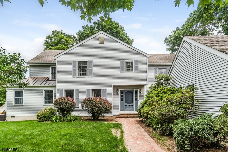 Photo of home for sale at 9 MILLS COURT, Raritan Twp. NJ