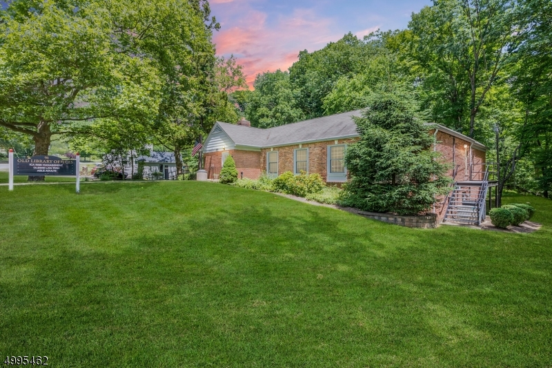 Photo of home for sale at 91 CENTRAL AVE, Long Hill Twp. NJ