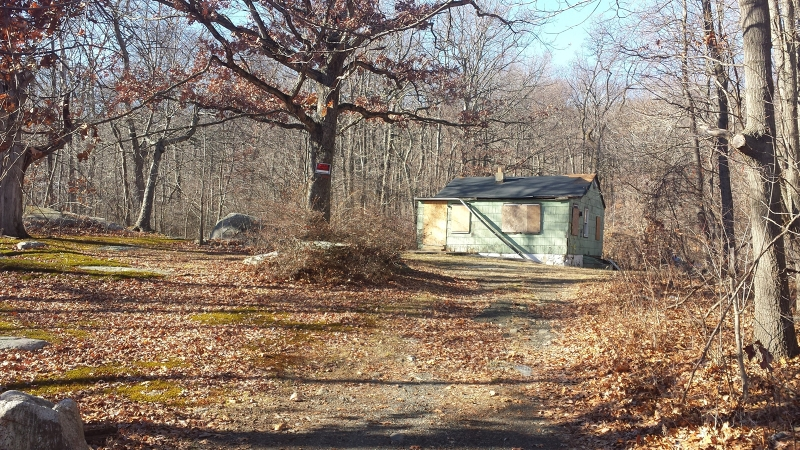 Photo of home for sale at 6 STAG HILL RD, Mahwah Twp. NJ